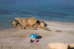 voglia di mare (mat56.) Tags: paesaggi paesaggio landscape landscapes panorama mare sea spiaggia beach persone people blu blue estate summer sangiovannidisinis sardegna sardinia cabras oristano antonio romei mat56 sand