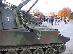 """PzH M109 13 • <a style=""""font-size:0.8em;"""" href=""""http://www.flickr.com/photos/81723459@N04/43957435191/"""" target=""""_blank"""">View on Flickr</a>"""