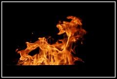 Chimérique (Guenever45) Tags: feu flammes nuit noir chaleur
