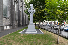 SAINT CANICES CATHOLIC CHURCH [DEAN STREET KILKENNY]-143092 (infomatique) Tags: religion deanstreet saintcanice stcanices catholicchurch reverendjacobgorman williammurphy infomatique fotonique streetsofireland streetphotography ireland august 2018