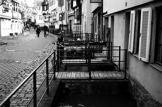 Walls and bridges (Leica M6)