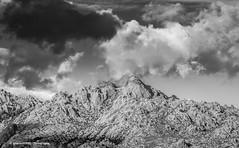 Black & white clouds on La Pedriza (Ignacio Ferre) Tags: lapedriza sierradeguadarrama madrid españa spain landscape paisaje naturaleza nature bw blancoynegro blackandwhite monocromo monocromático montaña mountain nikon nubes clouds cielo sky
