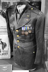US Pilot Captains Uniform (big_jeff_leo) Tags: captain pilot army ww2 secondworldwar pow museum medals uniform