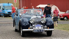 Triumph 1800 Roadster 1947 (XBXG) Tags: am7687 triumph 1800 roadster 1947 triumph1800 cabriolet cabrio convertible tourer classiccarsaeroplanes 2018 seppe breda international airport ehse seppeairport vliegveldseppe seppeairparc vliegveld luchthaven aéroport meeting carmeeting bosschenhoofd noordbrabant brabant nederland netherlands holland paysbas vintage old classic british car auto automobile voiture ancienne anglaise brits uk vehicle outdoor