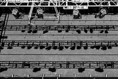 Pentagrama escénico (Jo March11) Tags: olite navarra teatro escenario música pentagrama focos sombras blancoynegro monocromo estructura ieletxigerra idoiaeletxigerra eletxigerra canon canoneos