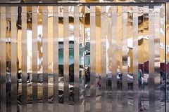 Silver door (Eva Haertel) Tags: eva haertel canon5dmarkiii strasse street door tür silver silber streifen strips spiegelung reflection verzerren distort deformation illusion abstrakt abstract geometrisch geometric peru