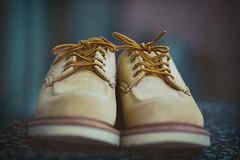 Silent Shoes (moaan) Tags: kobe hyogo japan jp shoes suedeshoes repaird refreshed redwing oxford atmosphere chageofmood textured focusonforeground selectivefocus depthoffield dof canoneos5dsr zeissmakroplanart2100ze makroplanart2100 utata 2018