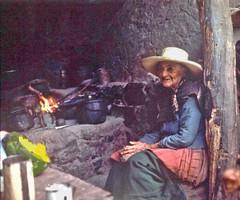 Por qué no recuerdan los viejos  las deudas ni las quemaduras? -Neruda (Lewitus) Tags: hasselblad500c hearth cooking hat fire scanned slide