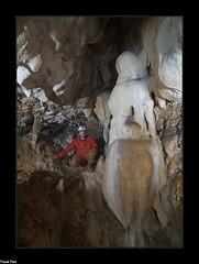 pendeloque en forme d'amphore - Grotte Du Trou du Loup - Ornans (francky25) Tags: pendeloque en forme damphore grotte du trou loup ornans franchecomté doubs concrétion karst monde souterrain merveille