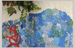 Profils (afantelin) Tags: paris5ème iledefrance bleu collage mur ecole enfants visage