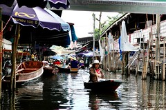 Floating market (Thanathip Moolvong) Tags: boat cannel floatingmarket people water market thecountry tourist trap