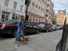 Picton Place. 20180818T16-20-03Z (fitzrovialitter) Tags: peterfoster fitzrovialitter city camden westminster streets rubbish litter dumping flytipping trash garbage urban street environment london fitzrovia streetphotography documentary authenticstreet reportage photojournalism editorial captureone olympusem1markii mzuiko 1240mmpro microfourthirds mft m43 μ43 μft geotagged oitrack exiftool linearresponse