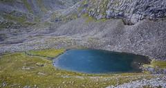 Grønvatnet og Grønvassbu. Ved oppgangen til Hammarsettidane fra Gimsdalen (Martin Ystenes - hei.cc) Tags: hammarsetttindane hammarsettindane gimsdalen sykkylven sunnmøre sunnmørsalpane sunnmørsalpene møreogromsdal martinystenes fjell vestlandet norway norge natur