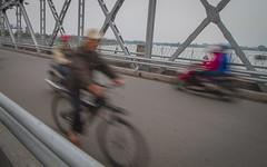 Puente sobre Río Perfume, Hué (Rossyplaya) Tags: trafico traffic movimiento movement carretera puente vietnam hué desenfoque