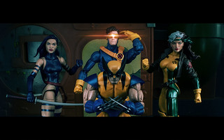 Marvel Legends Psylocke, Wolverine, Cyclops, and Rogue Love the '90s!