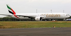 EMIRATES BOEING 777 NEWCASTLE AIRPORT (toowoomba surfer) Tags: jet aeroplane airline airliner aviation aircraft ncl egnt