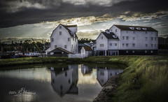Storm Clouds Over Woodbridge Tide Mill (Peter R. Howard) Tags: storm clouds woodbridge tidemill boats sea mud grass weeds peterrhoward photography tide mill peter howard