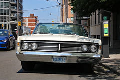 Colonel2 (Can Pac Swire) Tags: toronto ontario canada canadian city urban car auto automotive vintage classic mercury parklane convertible white colonel2 licence license plate number 2018aimg0303 260 richmond street east