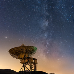Antena abandonada de Gandullas - Abandoned antenna of Gandullas (juan_maynar) Tags: antenna night nocturna nikon noctuna antena gandullas nikonflickraward comunidadespañola