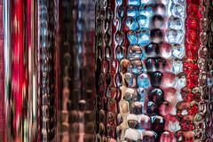 The world in between (Eva Haertel) Tags: eva haertel sonyalpha6500 abstrakt realität reality abstract farben colors struktur structure reflektion reflection senkrecht vertical unschärfe blurr abstraktion abstraction detail