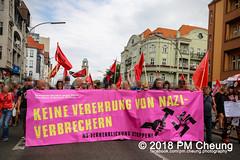 Rudolf-Heß-Gedenkmarsch 2018: Mord verjährt nicht! Gebt die Akten frei! Recht statt Rache  und Gegenprotest: Keine Verehrung von Nazi-Verbrechern! NS-Verherrlichung stoppen! – 18.08.2018 – Berlin –IMG_6054 (PM Cheung) Tags: rudolfhessmarsch wwwpmcheungcom berlin mordverjährtnichtgebtdieaktenfreirechtstattrache neonazis demonstration berlinspandau spandau friedrichshain hesmarsch rudolfhes 2018 antinaziproteste naziaufmarsch gegendemonstration 18082018 blockade npd lichtenberg polizei platzdervereintennationen polizeieinsatz pomengcheung antifabündnis rechtsextremisten protest auseinandersetzungen blockaden pmcheung mengcheungpo pmcheungphotography linksradikale aufmarsch rassismus facebookcompmcheungphotography keineverehrungvonnaziverbrechernnsverherrlichungstoppen antifaschisten mordverjährtnicht rudolfhesmarsch sitzblockaden kriegsverbrechergefängnisspandau nsdap nskriegsverbrecher geschichtsrevisionismus nsverherrlichungstoppen hitlerstellvertreterrudolfhes 17august1987 rathausspandau ichbereuenichts b1808 festderdemokratie verantwortungfürdievergangenheitübernehmen–fürgegenwartundzukunft rudolfhessmarsch2018 rudolfhesgedenkmarsch rudolfhesgedenkmarsch2018