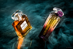 Classic or Modern? (LRFarias) Tags: canon60d efs1755f28is strobist flash still advertising parfum eau smoke