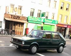 Mk1 VW Golf GLS (Sim's pics) Tags: shoreditch london green mark1 mk1 golf vw vnl688t