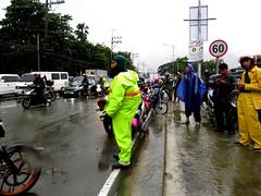 gloomy day (DOLCEVITALUX) Tags: monsoon torrentialrains flood traffic strandedcommuters canonpowershotsx50hs philippines metromanila