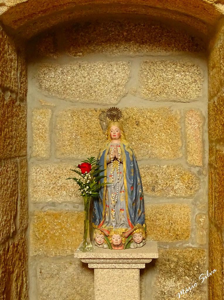 Águas Frias (Chaves) - ... belíssima imagem de N.ª S.ª da Conceição, na igreja matriz ...
