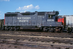 SP GP35 6608 (Chuck Zeiler) Tags: sp gp35 6608 railroad emd locomotive silvis train chz jhnixon