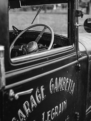 Garage.Gambetta (.ralf.kuehn.) Tags: car oltimer vintage cool garage gambetta bw sw monochrom lumix gx8 sigma