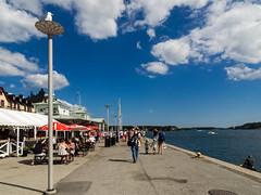 Vaxholm Promenade (KL57Foto) Tags: 2018 juli july kl57foto omdem1 olympus schweden sommer summer sverige sweden vaxholm umlandstockholm schären schäreninsel schärengarten archipelago vaxön uppland