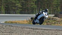7D2_4071 (Holtsun napsut) Tags: holtsu holtsun napsut ajoharjoittelu motorg kemora moottoripyörä motor bike drive driver moto motorrad eos7dmk2 ef100400mk2 race track suomi finland ajo harjoittelu ride training motorcycle