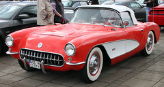 Corvette (Schwanzus_Longus) Tags: bremen german germany us usa america american old classic vintage car vehicle cabrio cabriolet convertible chevy chevrolet corvette