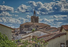 No hay WiFi? (pedroramfra91) Tags: exteriores outdoors verano summer iglesia church torre town cielo sky nubes clouds