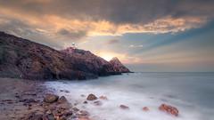 End your night job // Finaliza tu trabajo nocturno (Antonio F. Alvarez) Tags: cabodegata beach playa dawn sunrise sunbeam sunlight faro lighthouse rocks rocas landscape paisaje seascape nikond750 tamron 1530 15mm