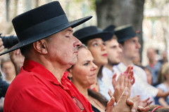 Ambiance Flamenco (Xtian du Gard) Tags: xtiandugard féria des vendanges 2017 nîmes gard france portraits flamenco ambiance scènedevie streetview rouge red