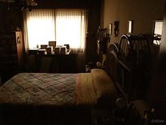En penumbra (Franco D´Albao) Tags: canonpowershotg10 francodalbao dalbao window room cama bed shade penumbra