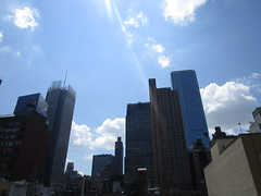 2018 August Luminous Clouds and No Virtual Clock 7055 (Brechtbug) Tags: 2018 august luminous clouds virtual clock tower turned off from hells kitchen clinton near times square broadway nyc 08092018 new york city midtown manhattan spring springtime weather building dark low hanging cumulonimbus cumulus nimbus cloud june hell s nemo southern view ny1
