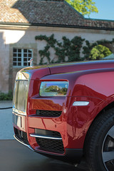 Cullinan (NaPCo74) Tags: concours élégance coppet suisse chateau switzerland ch geneve geneva genève classic historic concourso judge juge canon eos 700d rolls royce suv cullinan 2018 red silver lady flyin flying