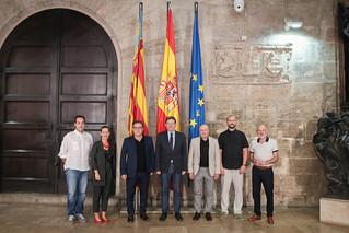 El president de la Generalitat, Ximo Puig, recibe en audiencia al grupo musical Capella de Ministrers. (10/08/2018)