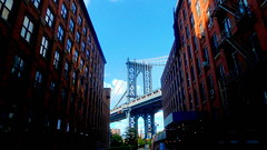 From Dumbo, With Love (Eye of Brice Retailleau) Tags: angle beauty composition landscape outdoor panorama paysage perspective scenery scenic view extérieur city urban cityscape travel ville architecture ciel blue sky bridge pont puente light summer vanishing point building buildings usa america united states new york manhattan brooklyn dumbo washington street