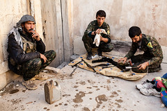 IMG_6507.jpg (Reportages ici et ailleurs) Tags: kurdistanirakien urbanwar kurdes sinjar pkk yezidis peshmerga battle city yekineyenberxwedanshengale ybs guerre shengal ezidis guerreurbaine yannrenoult fight bataille war isis hpg ypg yjastar etatislamique montagne guerilla kurd ville yekineyenparastinagel mountain