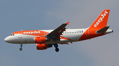 IMG_6738 G-EZBW (biggles7474) Tags: egkk lgw london gatwick airport gezbw airbus a319 a319111 easyjet