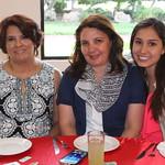 Realizan pasarela candidatas del Club Deportivo San Isidro thumbnail