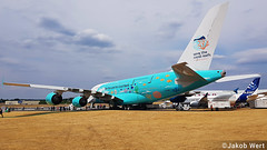 Hi Fly Airbus A380-800 (jakobwert) Tags: airplane aircraft airport airshow aviation avgeek airlines jet tail farnborough fia18 fia2018 fia sunny airbus a380 hifly coral reefs special livery charter a220 a350 a380800