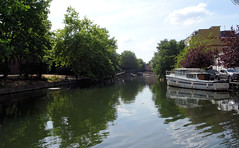 05 | river Kennet – Duke street bridge in bg (Mark & Naomi Iliff) Tags: river cruise thamesrivercruise boat mv ladycaroline kennet
