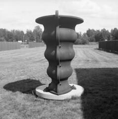 Vandalorum (rotabaga) Tags: lomo lomography lubitel166 svartvitt bw blackandwhite bwfp 120 6x6 mediumformat mellanformat fomapan twinlens värnamo vandalorum sweden sverige