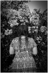 La musa (Esaú Alberto Canto Novelo) Tags: erandi lajeva back blackandwhite blancoynegro flowers outdoors outside long hair