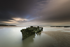 Lord Grey (Tony N.) Tags: hautsdefrance france pasdecalais nordpasdecalais nord lordgrey épave wreck wreckage tardinghen plageduchâtelet beach plage sable sand clouds nuages sea mer poselongue longexposure nisi nisiprov5 nisicplpro nisind1000 nisignd8reverse vanguard nikkor1635f4 nikon tonyn tonynunkovics bateau boat eau water ciel sky paysage landscape seascape seashore